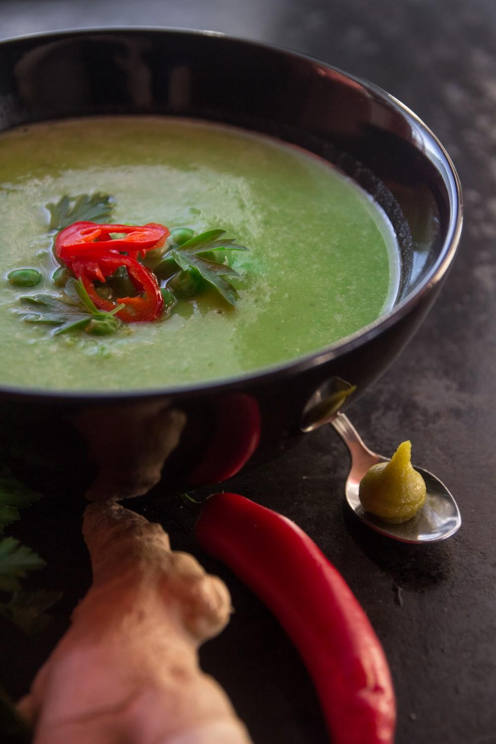 5 minute spicy pea soup