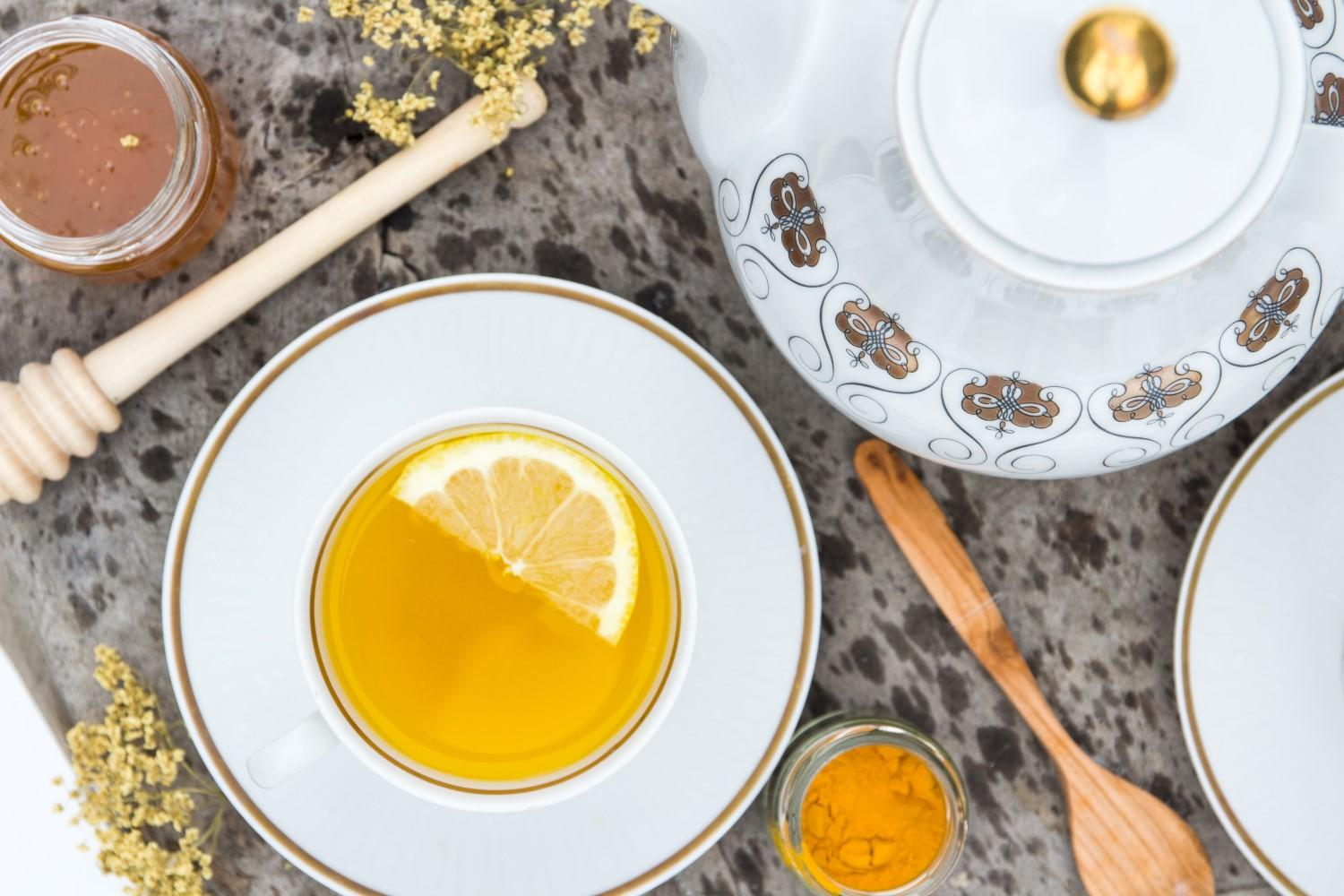 Use Your Noodles - Immune-Boosting Elderflower Turmeric Tea