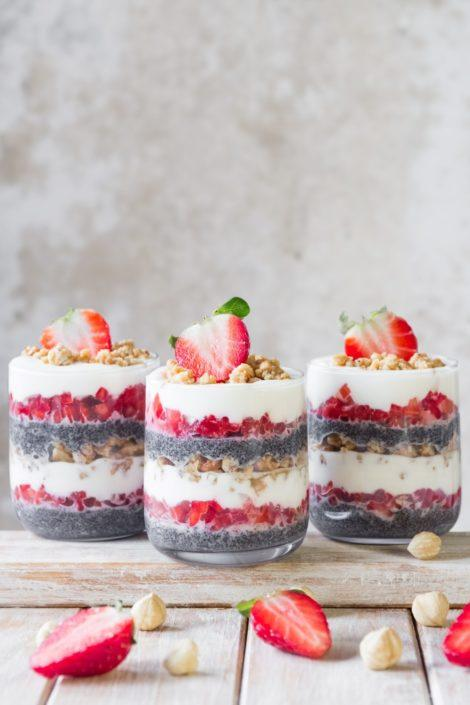 This light and fresh strawberry layer cake is a perfect healthy indulgence for the sunny spring days! This no-bake dessert is inspired by traditional Slovenian dessert prekmurska gibanica. Click to find the whole recipe or pin and save for later!