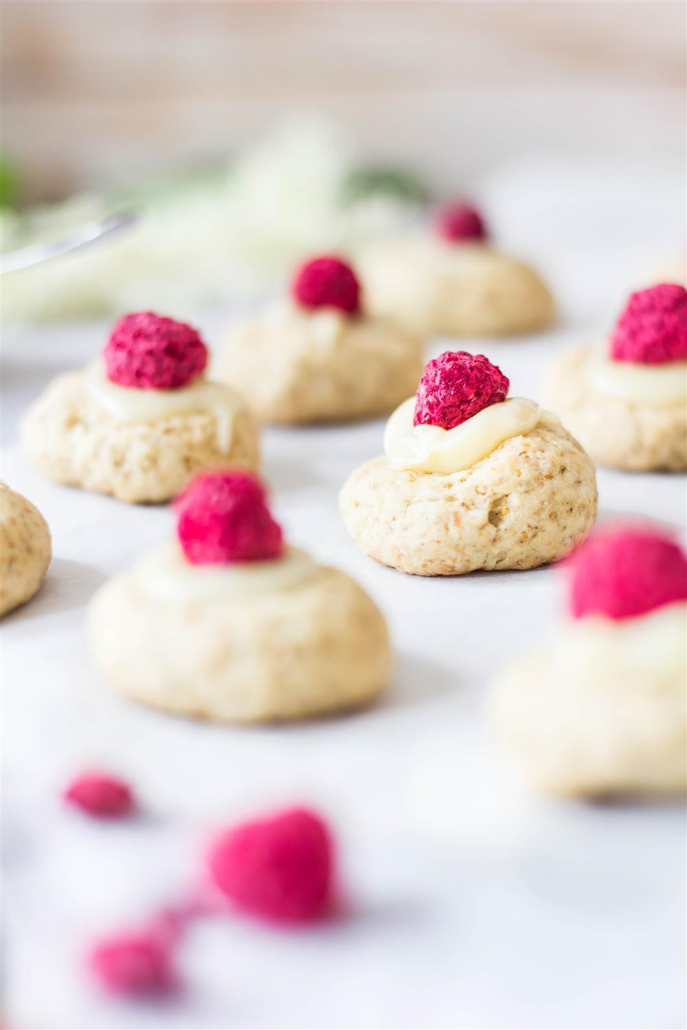 Use Your Noodles - Elderflower Cookie Bites With Raspberries