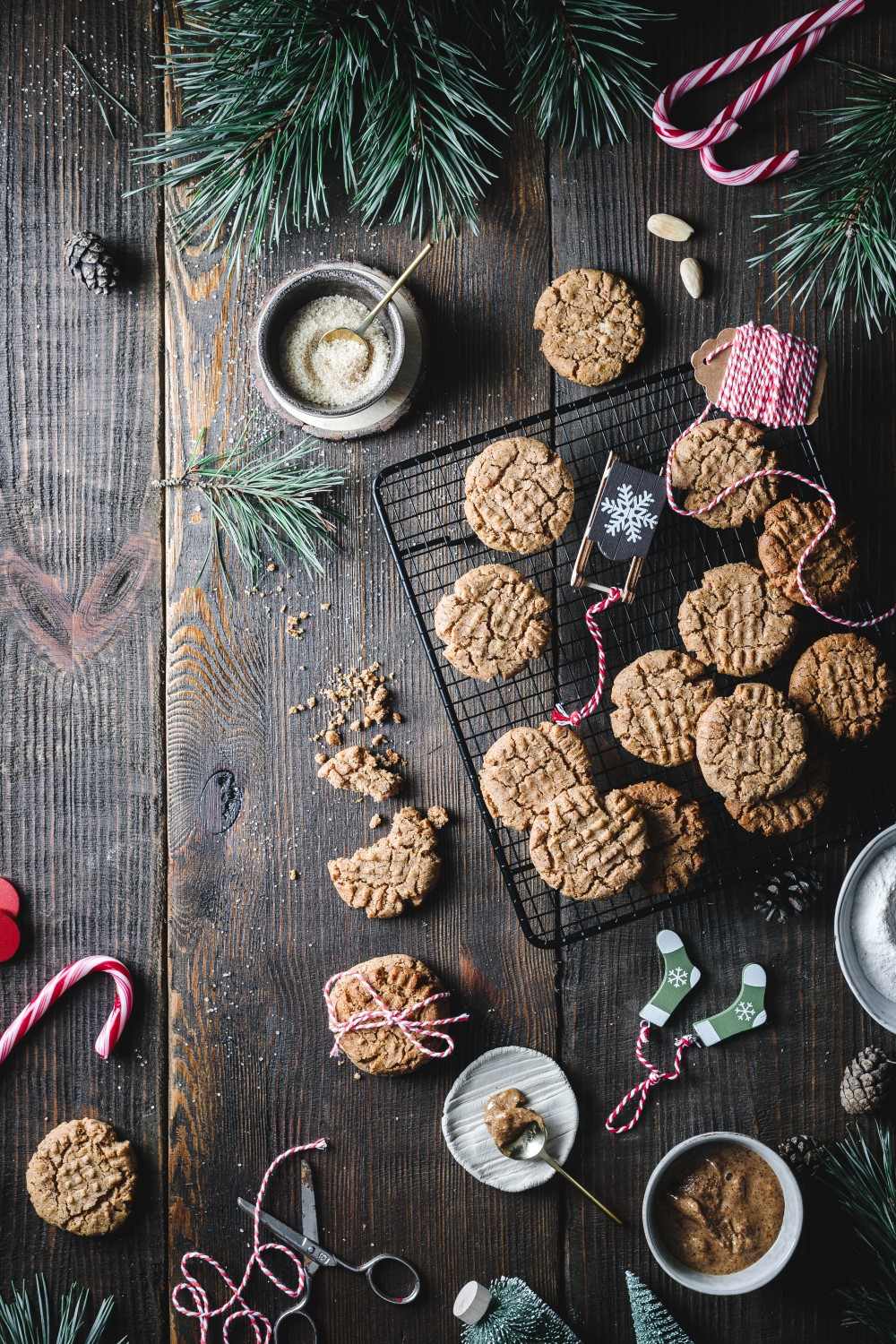 These most delicious vegan chewy almond butter cookies are made with no refined sugar and almond butter. A yummy cookie that is super soft!
