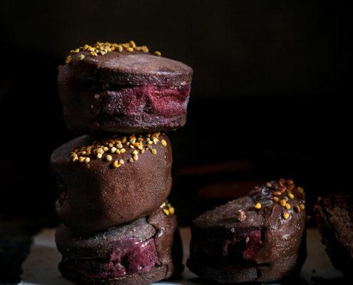 Double chocolate blackberry ice cream sandwiches are a perfect ice cold refreshment for the hot late summer days!