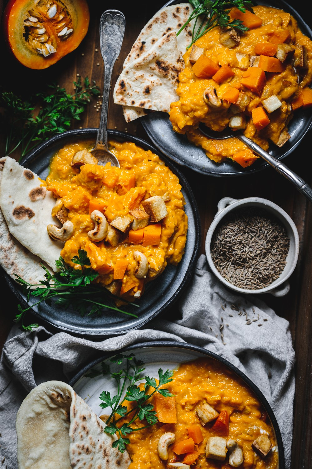 s vegan roasted pumpkin curry recipe is super comforting and is a proper late autumn dish. Nothing beats mixing pumpkin with coconut milk and fragrant spices.